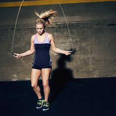Paige Vanzant knows that UFC training requires the perfect sneaker. Reebok ZPump Fusion running sneakers will give you a custom fit at the push … or pump… of a button. More Paige Vanzant, Reebok Zpump, Sports, Custom Fit, Zpump Fusion<br> Ufc Training, Affordable Workout Clothes, Sexy Workout Clothes, Cute Athletic Outfits, Cute Gym Outfits, Reebok, Mma Workout, Running Fashion, Running Style