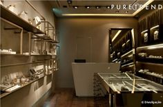 Designer Hector Albertazzi inaugura sua primeira loja no shopping JK Iguatemi