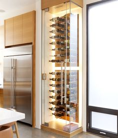 This chic Rosedale home is a bicoastal restaurateur& hi.- This chic Rosedale home is a bicoastal restaurateur& hideaway This chic Rosedale home is a bicoastal restaurateur& hideaway - Glass Wine Cellar, Home Wine Cellars, Wine Cellar Modern, Wine Rack Design, Wine Cellar Design, Basement Bar Designs, Home Bar Designs, Basement Ideas, Wine Rack Wall
