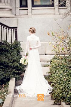 Delicate lace modest wedding gown in this Salt Lake LDS Temple bride & groom photos. #ldswedding #mormon