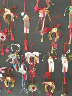 Χριστουγεννιάτικα Γούρια | Γούρι Χειροποίητα Δώρα | Gouri Art Christmas Projects, Christmas Time, Christmas Gifts, Christmas Ornaments, Lucky Charm, Little Houses, Pebble Art, Charms, Decorations