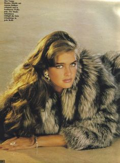 icons Fashion Vogue Brooke Shields 20 Ideas For 2019 Brooke Shields Young, Vaquera Sexy, Vogue, 90s Models, Fox Fur Coat, Vintage Fur, Most Beautiful Women, Style Icons, 1970s