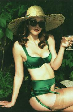 maggie gyllenhaal in agent provocateur #green