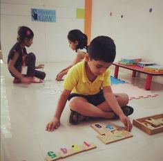 One two buckle your shoe, Three four open the door! Little ones learning maths @ Kidzee Baner Pune  #Maths #Fun #Tricks #Learning #Summertime #EarlyChildhoodEducation #BestPreschool #Preschool #PicOfTheDay #Preschool #AsiasLargest #EarlyEducation #India