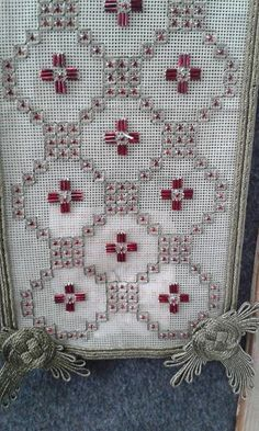 Wall | VK Beaded Embroidery, Cross Stitch Embroidery, Embroidery Designs, Blackwork Patterns, Swedish Weaving, Bargello, Needlepoint, Diy And Crafts, Kids Rugs