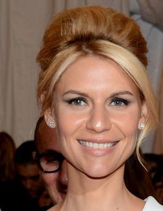 Claire Danes wears her hair in a beehive at the MET Ball 2012. She is beautiful.