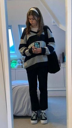 Indie Outfits, Retro Outfits, Cute Casual Outfits, Fashion Outfits, Fashion Goth, Girl Fashion, Mode Emo, Mode Ootd, Aesthetic Fashion