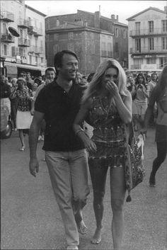 Brigitte Bardot walking barefoot in St Tropez
