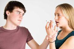 La voglia e lo stimolo di fumare va e viene, ci sono persone, luoghi, cose e situazioni che possono scatenare la voglia di accendersi una sigarette, come s