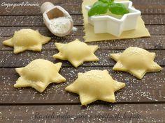 I ravioli melanzane e ricotta di bufala sono un raffinatissimo primo piatto, perfetto da preparare in questi giorni di festa, sia per Natale che per Capoda