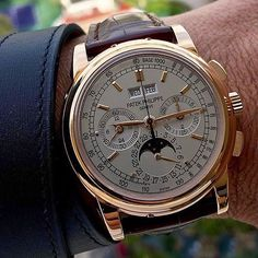philippe Iced Out Rolex Watches For Men, Best Watches For Men, Luxury Watches For Men, Men's Watches, Patek Philippe 5970, Patek Philippe Aquanaut, Amazing Watches, Cool Watches, Patek Philippe Rose Gold