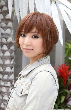 Trendy Short Copper Haircut from Japan - Stacked Short Angled Bob - Hairstyles Weekly Short Wavy Hairstyles For Women, Short Blonde Haircuts, Wavy Hair Men, Teen Hairstyles, Short Hair Cuts For Women, Celebrity Hairstyles, Spring Hairstyles, Medium Hairstyles, Men's Hair