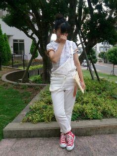こんにちは😃 今回はsaleで買った白いデニムサロペコーデです♪このサロペsaleで1500円位