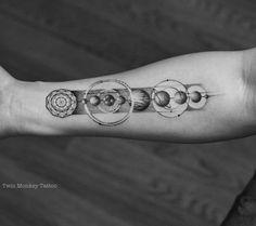 thank for comin guys.. c u soon!! #twinmonkeytattoo #tattoo #tattoos #tattooart #blackwork #blackworkers #tatuaje #vsco #vscocam #ink #inked #solarsystem #blxckink #blackandwhite