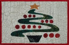 Postcard pattern was in Quilters Newsletter. My Bernina 1260 does a *fabulous* satin stitch. Christmas Mug Rugs, Cool Christmas Trees, Christmas Fabric, Fabric Cards, Fabric Postcards, Small Quilt Projects, Quilting Projects, Wool Quilts, Applique Quilts