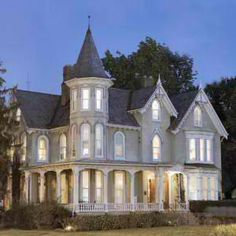 Would love to have this home! Victorian Homes Exterior, Victorian Style Homes, Victorian Architecture, Victorian Decor, Victorian Fashion, Victorian Houses, Victorian Era, Victorian Castle, Modern Victorian
