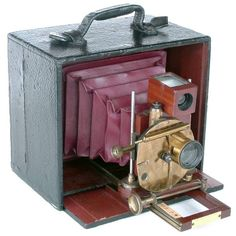 Antique Camera: The Henry Clay Camera, 1891-99. This is the original 1891 model of which only three examples are known.