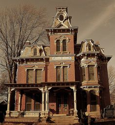Old, Abandoned, but still Beautiful: Norwalk, OH, Second Empire House Old Buildings, Abandoned Buildings, Abandoned Places, Abandoned Castles, Haunted Places, Old Mansions, Abandoned Mansions, Victorian Architecture, Architecture Old