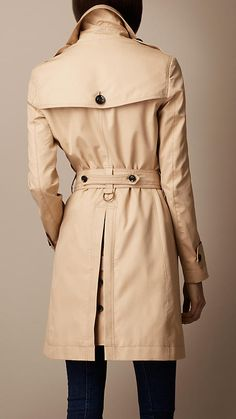 94cd87f7ba5fe Burberry - TRENCH-COAT À COL SURDIMENSIONNÉ Garde Robe, Trench Militaire, Trench  Burberry
