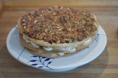 Færøsk æblekage med karamelsauce