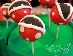 OMG! I am so doing this with my cake pop maker!!!
