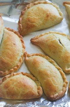 Pineapple Empanadas - Immaculate Bites - Jump to Recipe Print Recipe Warning; these pineapple empanadas, topped with caramel or cin - Mexican Pastries, Mexican Sweet Breads, Mexican Bread, Mexican Dishes, Pan Dulce, Pumpkin Empanadas, Empanadas Recipe, Mexican Empanadas, Baked Empanadas