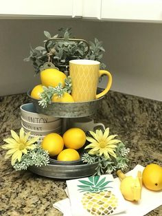 Favorite Farmhouse Summer Decor Ideas Latest styles on bedroom farmhouse decor.Latest styles on bedroom farmhouse decor. Country Farmhouse Decor, Farmhouse Style Kitchen, Modern Farmhouse Kitchens, Farmhouse Design, Country Kitchen, Country Living, Farmhouse Décor, Small Kitchens, Kitchen Modern