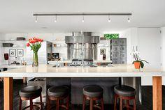 Modern kitchen with Kraus KPF-1602 faucet @ 414 34 Ave S Seattle, WA 98144