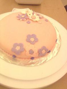 Vanilla Cake n Fondant