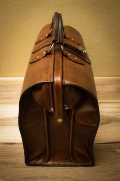 DIY Leather MD Briefcase (Doctor's Bag) on Instructables