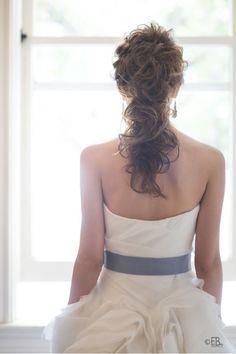 Cute系ポニーテール の画像|Satomi の ハワイブライダルヘアメイク 『Satomi no sonogo』 Braided Bun Hairstyles, Dress Hairstyles, Wedding Hairstyles For Long Hair, Party Hairstyles, Bride Hairstyles, Wedding Party Hair, Bridal Hair, Wedding Dresses, Hair Arrange