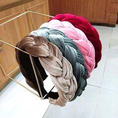 Hair Accessories Storage, Hair Accessories For Women, Crochet Jewelry Patterns, Summer Hairstyles, Get Dressed, Scrunchies, Hair Clips, Headbands, Crafts