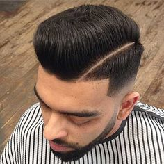There are many fashionable ways to wear a comb over fade haircut. Because a comb over is a versatile, trendy hairstyle, it is perfect for all hair types. Mid Fade Comb Over, Comb Over Fade Haircut, Short Comb Over, Low Fade Haircut, Smart Hairstyles, Trendy Mens Hairstyles, Haircuts For Men, Men's Haircuts, Men's Hairstyles