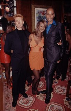Model Iman and singer David Bowie at a Defense Fund Plate Auction... News Photo 116746487