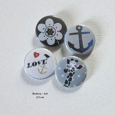 Button Set Anker,Giraffe, Love, Blume 4 x 2,5 cm  von Kreawusel-Schmuck  auf DaWanda.com