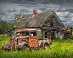 old barns paintings \ old barns . old barns rustic . old barns abandoned . old barns paintings . old barns photography . old barns restored . old barns drawings . old barns turned into homes Chevy Pickup Trucks, Classic Chevy Trucks, Chevy Pickups, 4x4 Trucks, Lifted Trucks, Pickup Camper, Diesel Trucks, Lifted Chevy, Chevy Classic