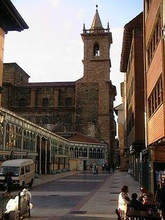 Pedacinos de História, Oviedo, Spain