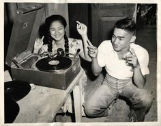 Philippine teens celebrating after 3 years of occupation and the recapture and liberation of the entire Philippine Archipelago by American forces under command of General MacArthur Oct 1944 Model Minority, Filipino Fashion, Filipino Culture, Historical Pictures, Pinoy, Old Photos, Record Player, The Past, Teen
