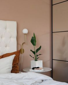 House Tour: Mixing Scandinavian Style and Pastels in a Kiev Apartment Scandinavian Style, Scandinavian Bedroom, Scandinavian Interior Design, Loft Interiors, World Of Interiors, Norwegian House, Loft Interior Design, Interior Inspiration, Bedroom Decor