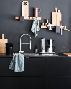 Interior, Fashion & Garden (@interiorwife) • Instagram-billeder og -videoer Dark Colors, Colours, Bright Homes, Bathroom Hooks, Black Interiors, Wall Lights, Elegant, House Styles, Small Spaces
