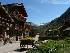 """""""Les plus beaux villages de France ®"""" - Bonneval sur Arc, dernier village au fond de la vallée de la Haute Maurienne. #vanoise #hautemaurienne #BonnevalsurArc #plusbeauxvillagesdefrance #alpes #montagne #mountain"""