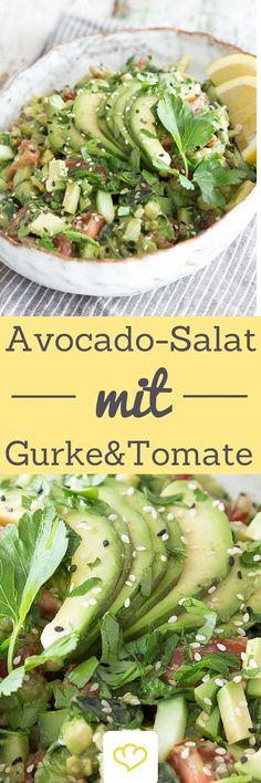 Ein Salat für alle Avocado-Lover! Erfrischend, knackig und cremig zugleich: Angelehnt an die klassische Guacamole, trumpft dieser Avocado-Salat mit aromatischen Tomaten, frisch gewürfelter Salatgurke und Petersilie auf.