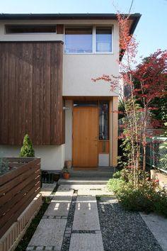 旗竿地だからこそ、家の顔と通路のデザインにはこだわりました。|LIMIA (リミア)