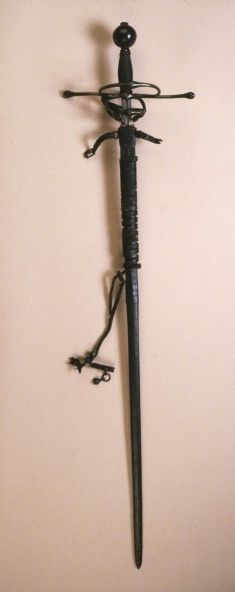 An elegant rapier like this would be worn by noblemen serving as bodyguards or in the retinue of the Saxon electors.