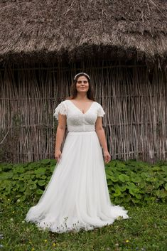Folk Wedding Dresses- Your Perfect Modern Vintage by Daalarna, Tradition meets modernity, and old meets new in the FOLK bridal collection. Elegant Bride, Beautiful Bride, Boho Bride, Boho Wedding, White Wedding Dresses, Bridal Dresses, Bridal Collection, Wedding Styles, Marie