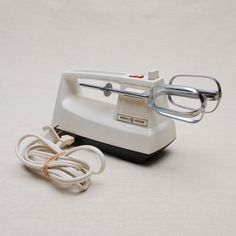 Hand mixer on pinterest hand mixer mixer and electric for General electric mixer vintage