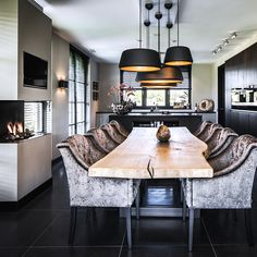 Choose from the largest collection of Dining Room Design & Decorating Ideas to add style at Dining Room. Discover best Dining Room interior inspiration photos for remodel & renovate, here. Home Interior Design, Dining Room Design, Dining Room Decor, Room Design, House Interior, Interior, Home Decor, Dining Chair Design, Dining Room Table Decor