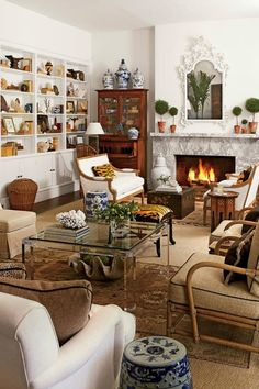 Chinoiserie Chic: The Chinoiserie Home Antique Living Rooms, Eclectic Living Room, Cozy Living Rooms, Home Living Room, Living Room Decor, Living Spaces, British Colonial Decor, Traditional Family Rooms, Sweet Home