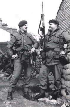 Royal Marines in Northern Ireland. British Armed Forces, British Soldier, British Army, Royal Marines, Northern Ireland Troubles, Marine Commandos, Army Post, Once A Marine, Northern Ireland