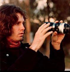 Sabían que Jim Morrison estudió cine en la UCLA, en Los Angeles.Compartió clases con el famoso director Francis Ford Coppola.